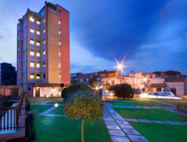 Ristrutturazione Hotel Villa Mater